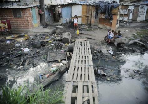 O custo social e econômico do golpe: 15 milhões de lares sem renda