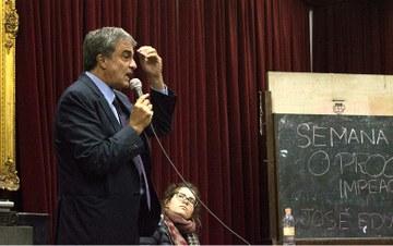 Impeachment causou 'terremoto' nas instituições do país, diz Cardozo