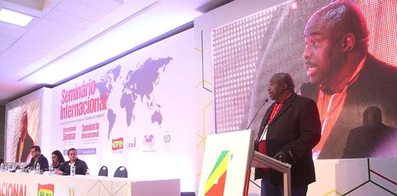Presidente da Federação Sindical Mundial denuncia globalização e saúda encontro classista
