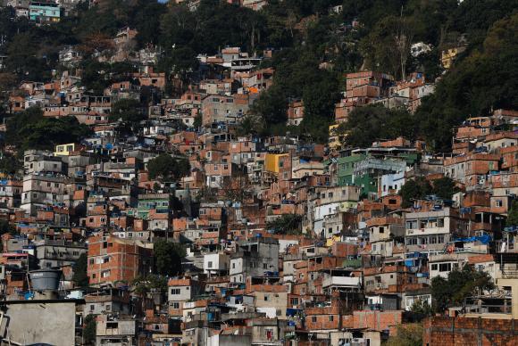 A Distância Que Nos Une, Um Retrato das Desigualdades Brasileiras