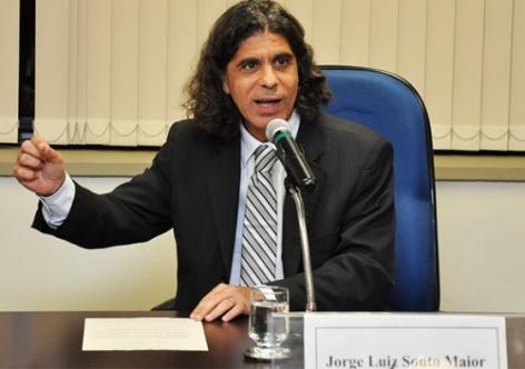 Nova lei trabalhista não exime empresas de responsabilidade, diz juiz