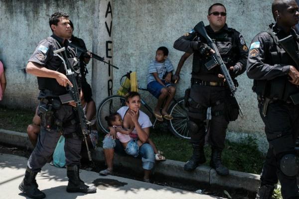 Polícia brasileira é a mais violenta do mundo, diz pesquisa