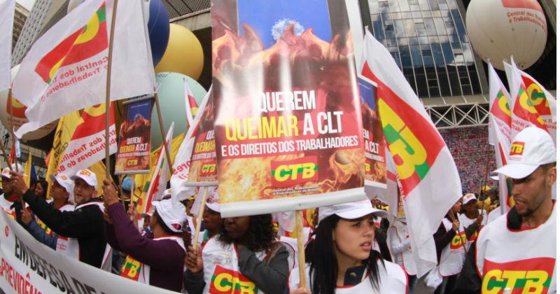 """Reforma trabalhista acentua """"fosso"""" salarial entre sindicalizados e não sindicalizados, diz Ipea"""
