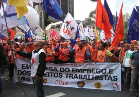 Trabalhador sindicalizado ganha 33,5% a mais