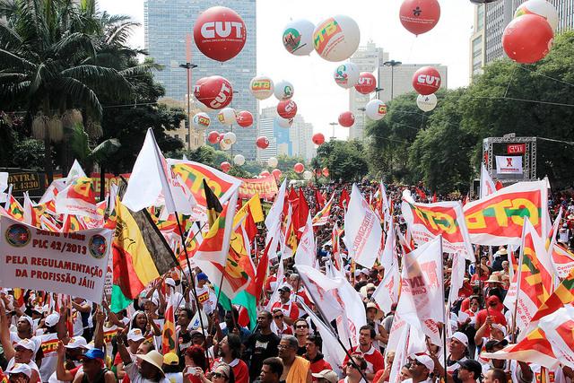 Em protesto contra nova lei trabalhista, movimento sindical prepara ato nacional