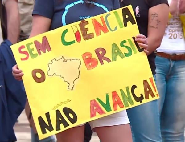 Marcha pela Ciência protesta contra cortes de Temer