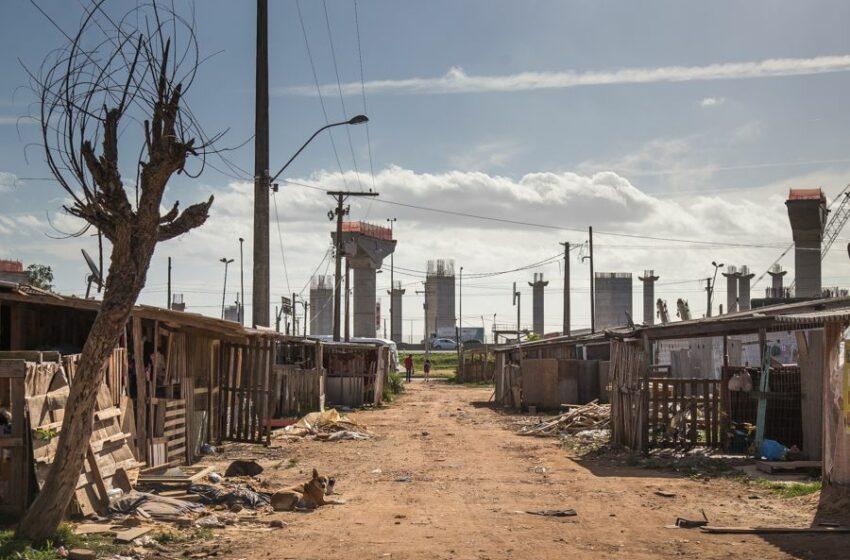 Brasil: 25% na linha de pobreza, menos trabalho formal e desemprego de jovens