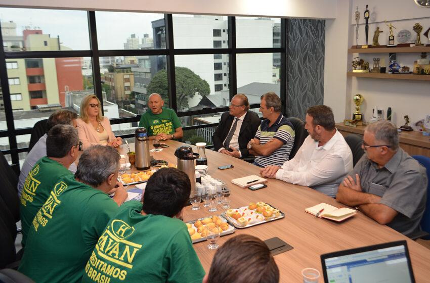 Sindicomerciários se reúne com Sindilojas e representantes da Havan