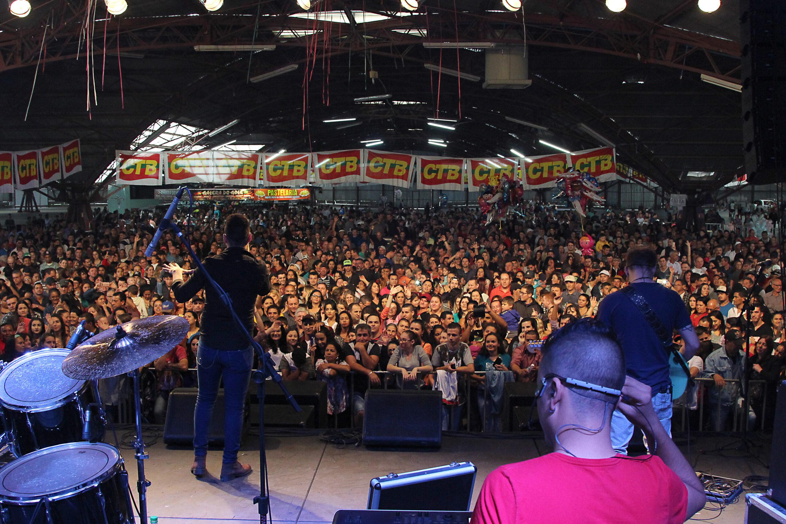 15 mil trabalhadores participam do Ato Show do Dia do Trabalhador da CTB e Rádio Viva