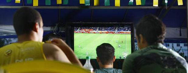 Sindicomerciários e Sindilojas fecham acordo para dispensa durante jogos da Copa do Mundo