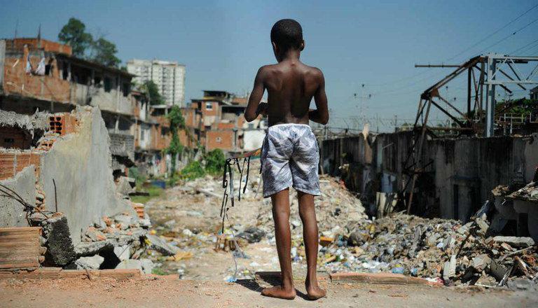 Redução da desigualdade de renda no Brasil é interrompida, alerta Oxfam