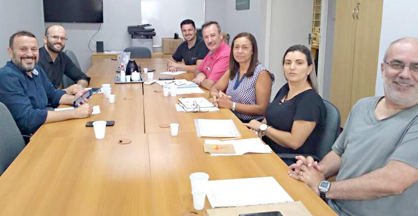 Sindicomerciários Caxias se reúne com Lojas Renner para abordar problemas levantados por trabalhadores
