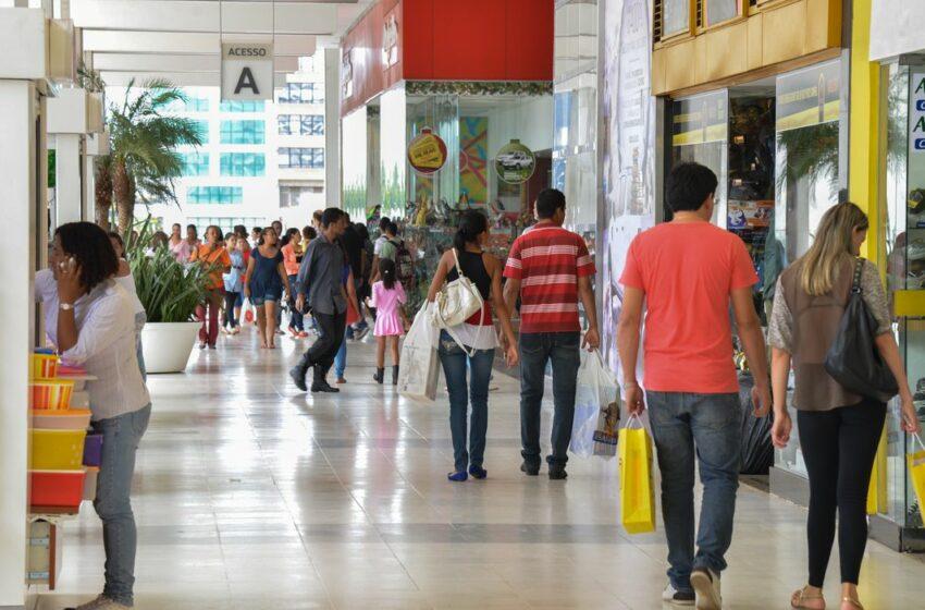 Crescimento das vendas no comércio reforçam necessidade de manter auxílio de R$ 600