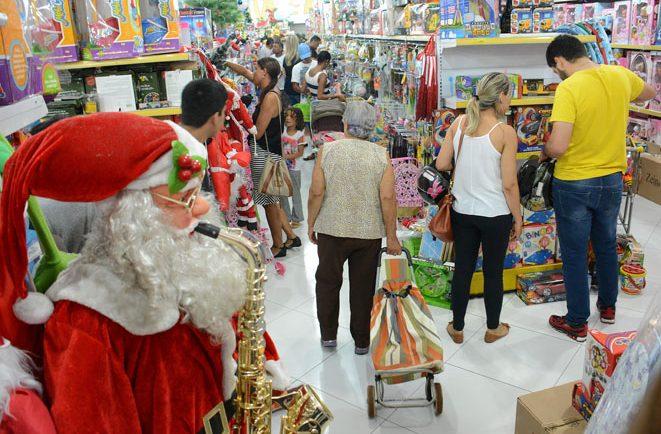 ATENÇÃO COMERCIÁRIOS: lojas devem seguir horários e medidas de proteção e distanciamento durante bandeira vermelha e dezembro