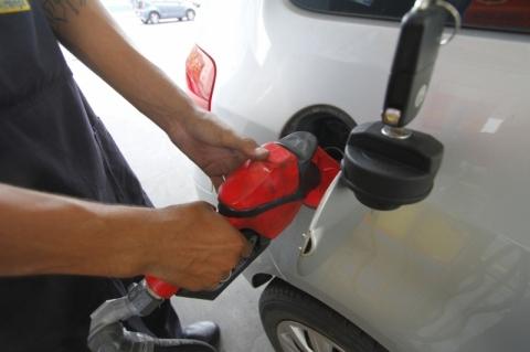 Combustíveis não param de aumentar, gás fica mais caro e inflação continua subindo