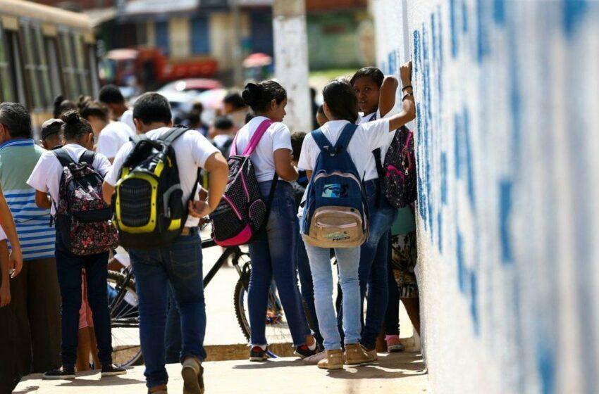 A abertura das escolas contribuiu para o aumento da Covid-19 no Brasil?