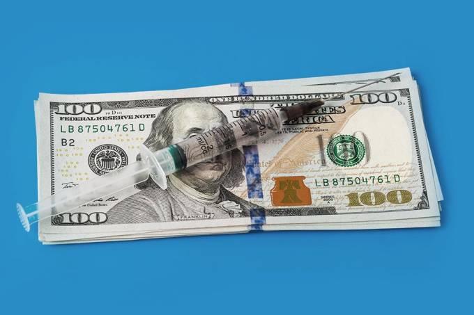Grupo de capitalistas e políticos sem escrúpulos compram doses a R$ 600,00 e furam a fila da vacinação no Brasil