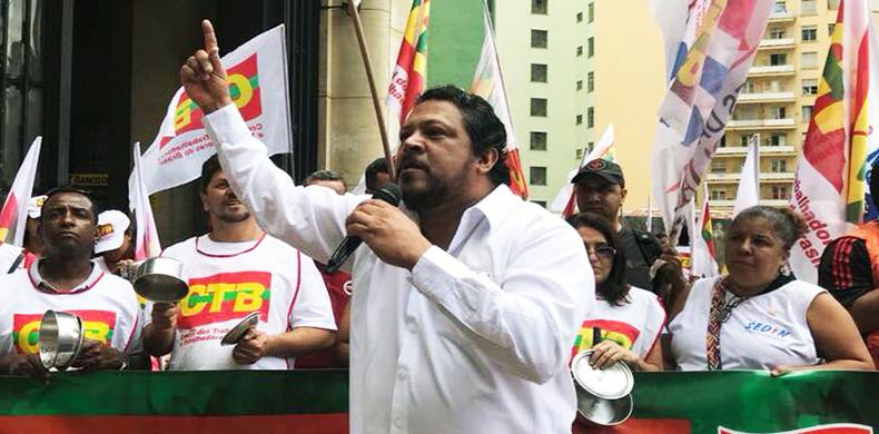 Reindustrializar a economia é uma questão chave para o desenvolvimento, afirma Adilson Araújo